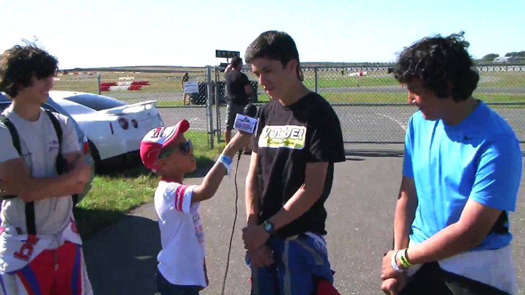 Chi Chi racing team  F-Series Interview 09_27_14 MOV014 095